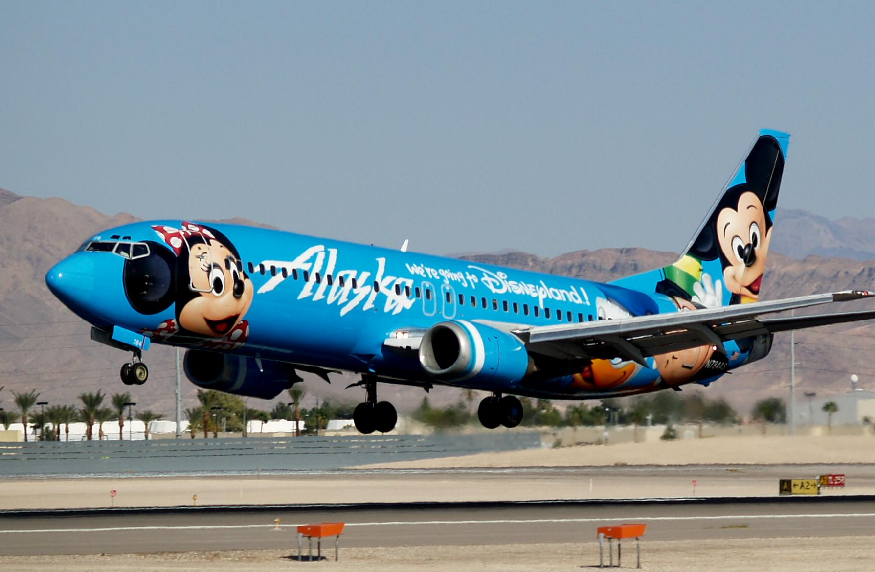 Alaska_Airlines_Mickey_and_Friends_Boeing_737-4Q8_N784AS.jpg