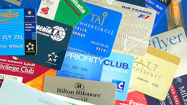 Frequent flyer & travel rewards points cards