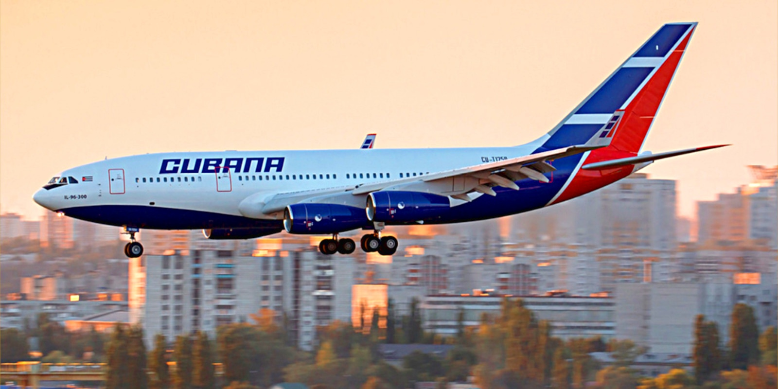 A Cubana airliner coming in for a landing.
