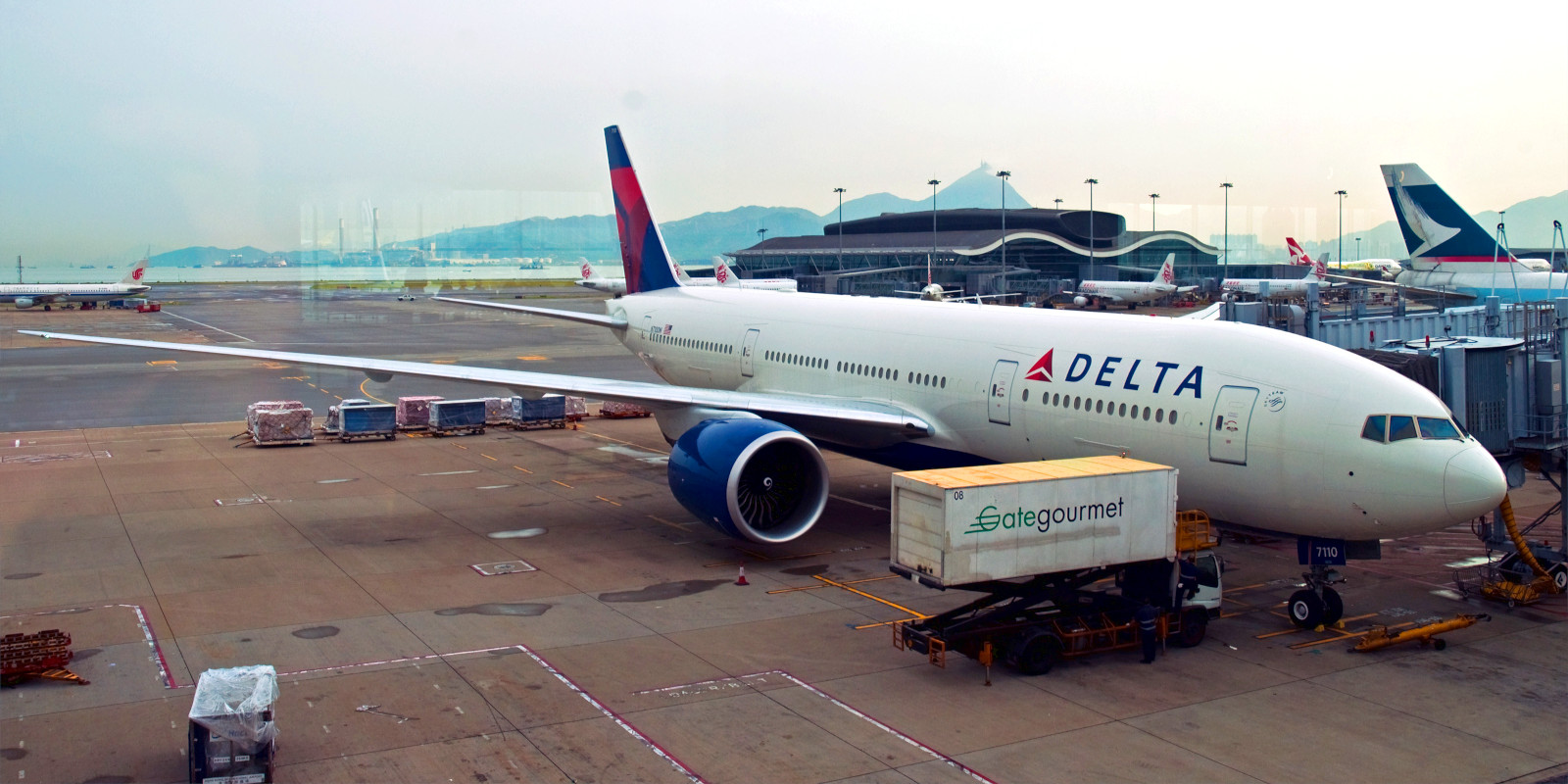 A Delta airliner preparing for take-off.